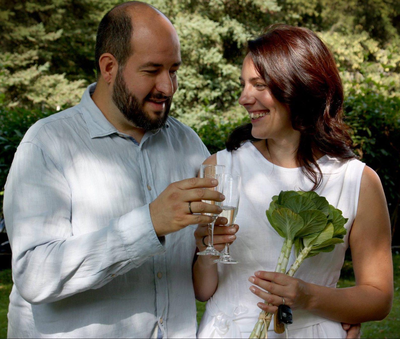 Alejandro Acuna y Norvyda Kligyte se casaron el 30 de Agosto, 2017, en Vilnius, Lithuania.