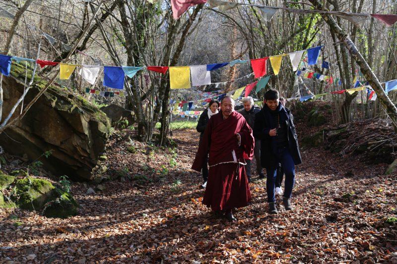 El Khenpo del Monasterio Galingteng visita Merigar Oeste
