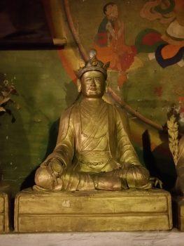 Estatua de Adzom Drugpa construída por Gyurme Dorje